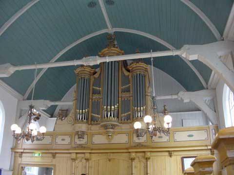 Het orgelfront.